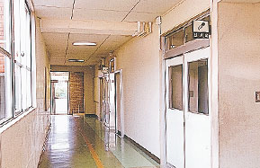 岩出小学校管理棟地震補強工事
